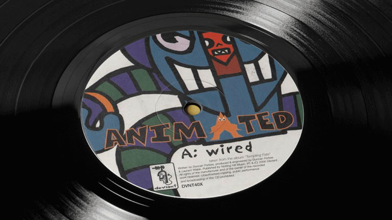 Animated-Wired-Vinyl-Centre-CloseUp-large
